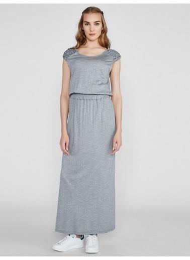 Vekem-Limited Edition Beli Lastikli Kayık Yaka Sıfır Kol Elbise Gri